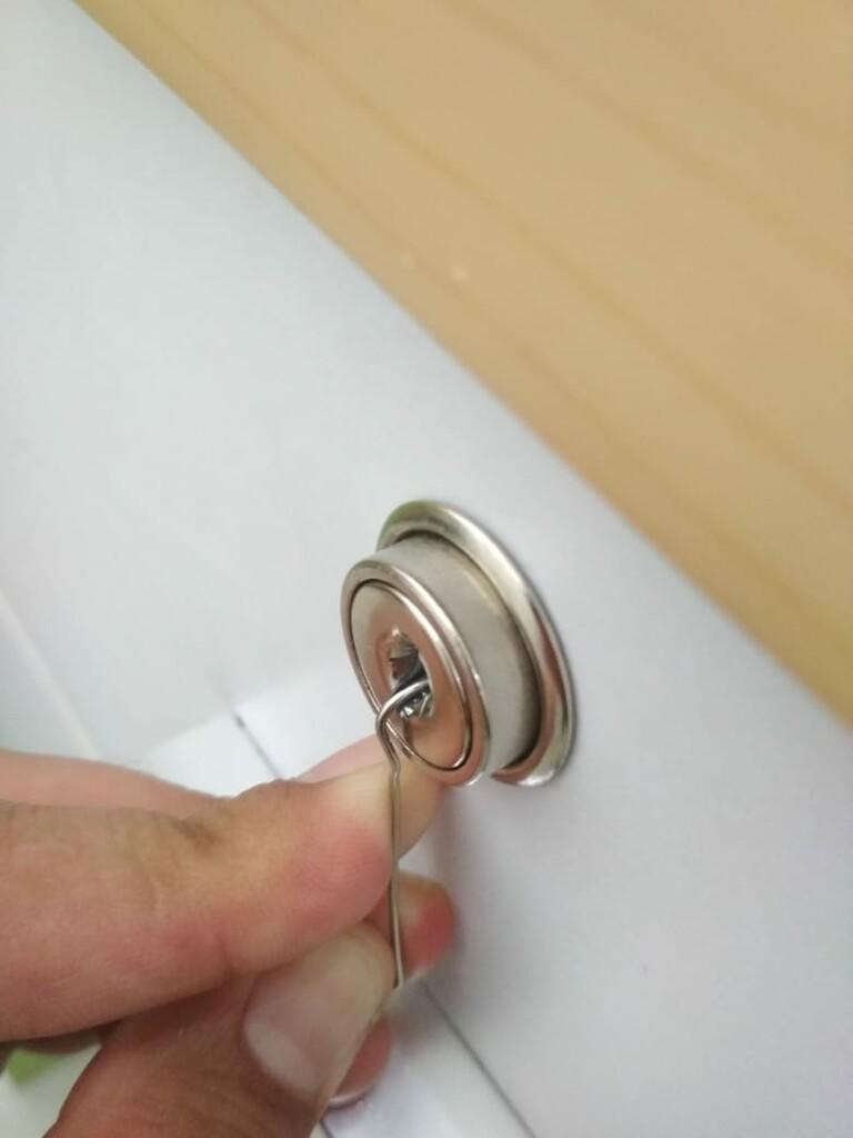 Kunci Hilang? Buka aja Pake Paper Clip. Cukup 5 Detik Doang!