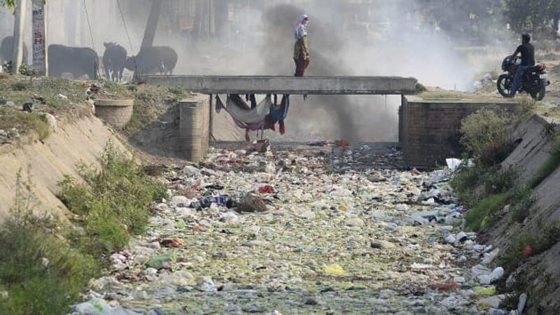Lautan dan Daratan Akan Penuh Plastik Pada 2040, Indonesia Penyumbang Nomor 2 Dunia!