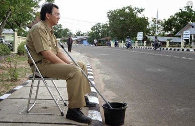 Camat Dikira Tukang Sapu dan Disuruh Bersihkan Sampah, Pimpinan Kantor Minta Maaf
