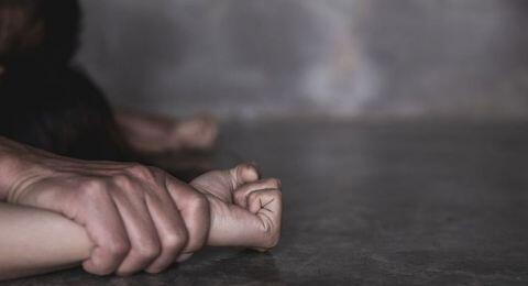 Beri Uang Jajan Rp50 Ribu, Ayah Perkosa 2 Putrinya di Kamar Masing-masing