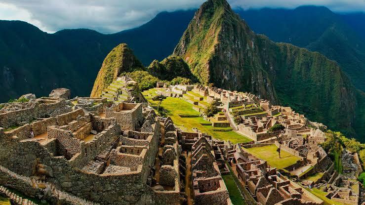 Tembok Diskrimatif Sepanjang 10 KM Pemisah Si Kaya dan Si Miskin di Ibukota Peru