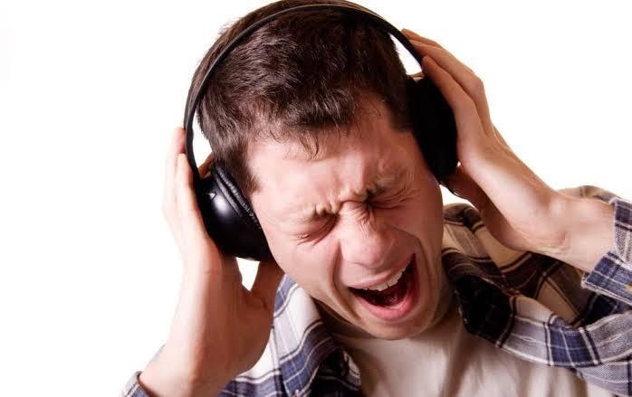 4 Lagu yang Berbahaya dan Misterius, No. 2 Pasti Pernah Kamu Dengarkan!
