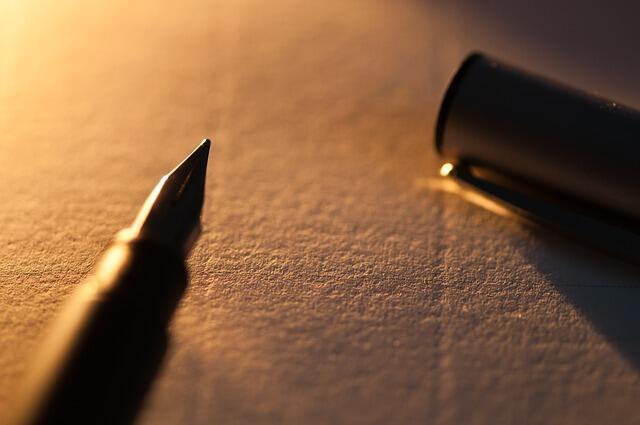 Kenapa sih milih curhat ke buku diary