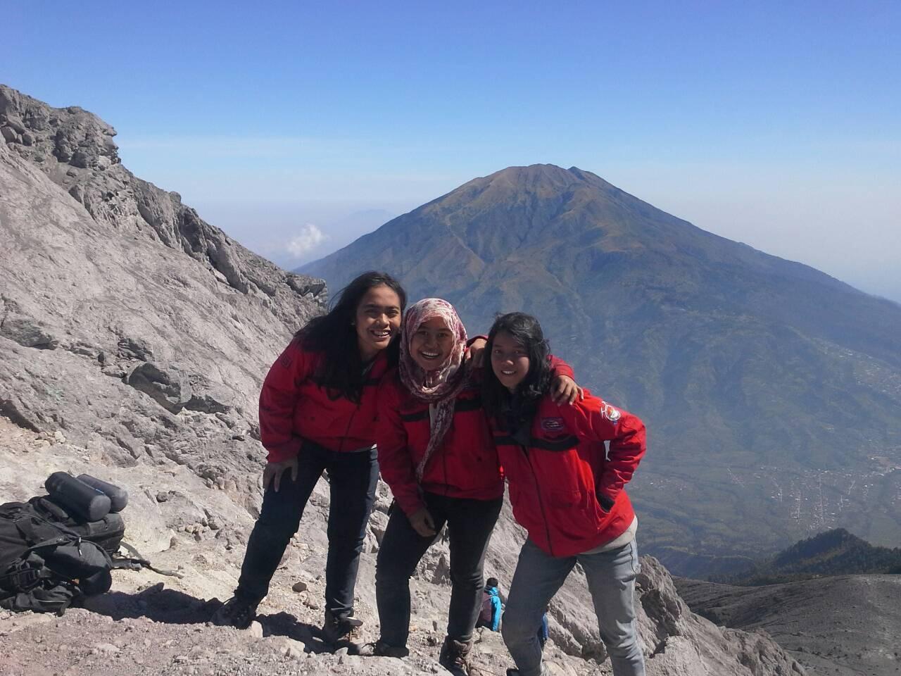 5 Hal Tentang Pasar Bubrah Gunung Merapi - Pendakian Gunung Merapi Tahun 2014