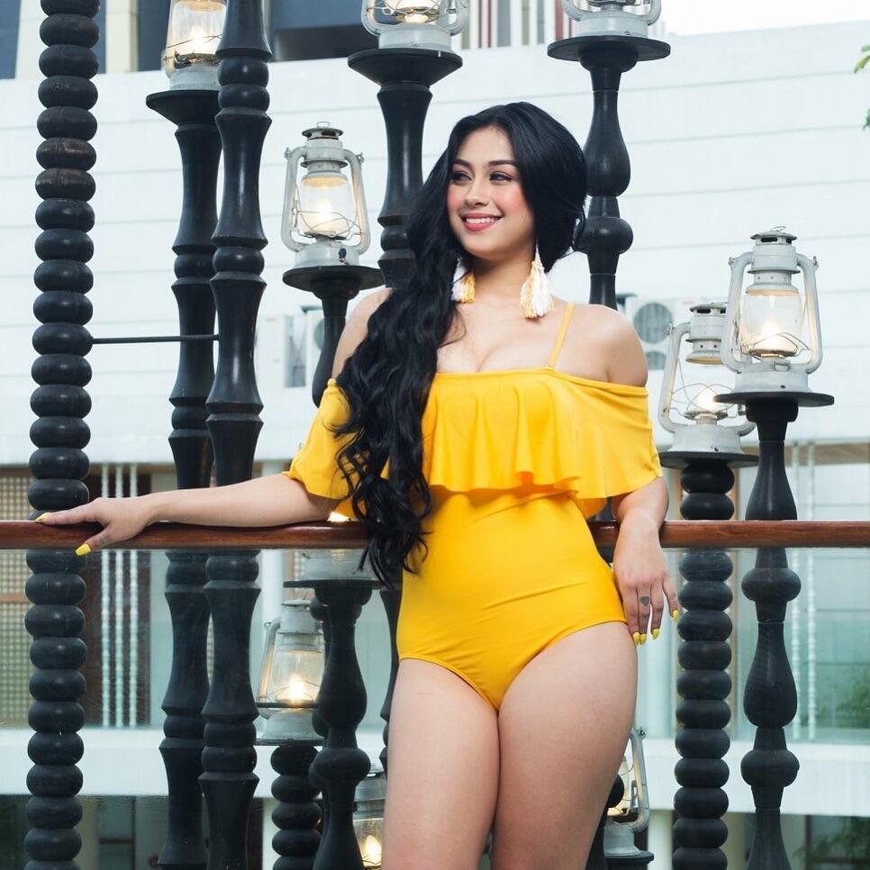 [BENING ++ ] 20 + Foto Zeinab Harake Selebgram Hot Asal Filipina ( YANG VIRAL DI IG )