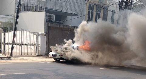 Mazda RX7 Terbakar saat Test Drive di Kebayoran Baru, Begini Kronologinya
