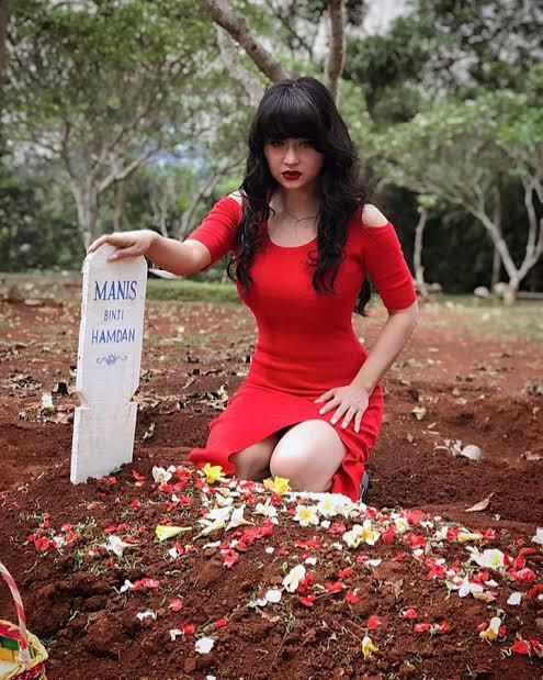 Hantu Cantik Yang Ada Di Indonesia