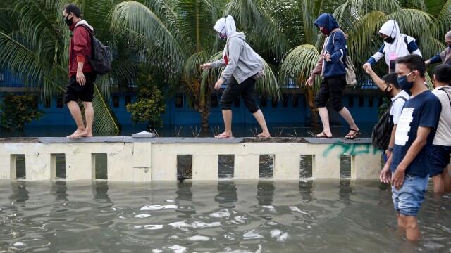 Anies: Setop Pengadaan Sirine Peringatan Banjir