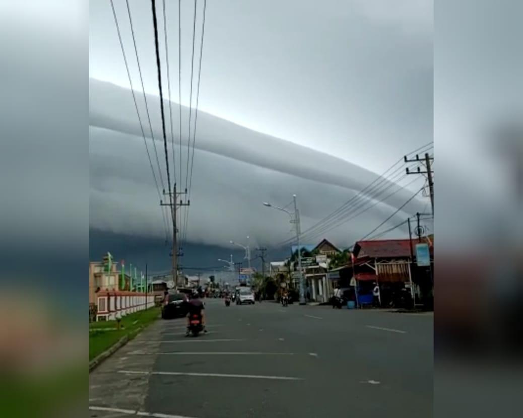 Awan Tsunami Muncul di Aceh, Penampakannya Ngeri Banget!