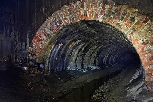 Penemuan Struktur Bata Terowongan Diduga Bangunan Kuno Ditemukan di Bekasi!!!