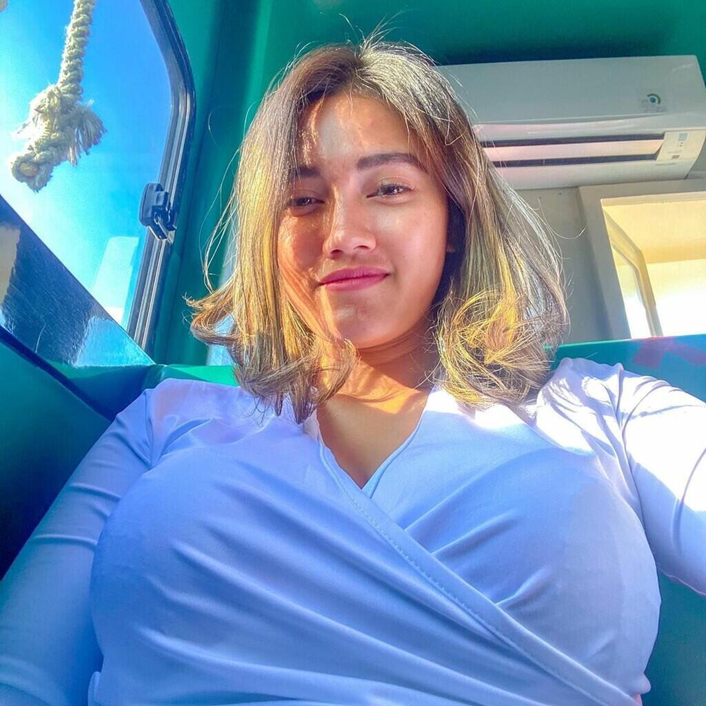 [ UPDATE ] 30+ Foto Jess Amalia Bening dan S3M0kS << penulisan judul yang jadul