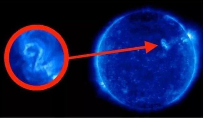 Simbol Misterius di Matahari Diduga Pesan dari Alien, Ini Faktanya!