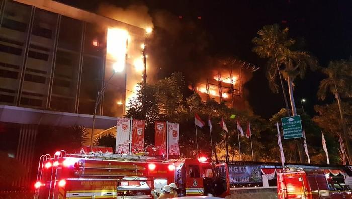 Kantor Kejagung RI Terbakar, 5 Unit Damkar Diterjunkan