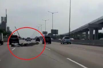 3 Cewek Boncengan Masuk Jalan Tol Pakai Motor, Apes Malah Kecelakaan