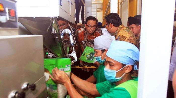 Dibina Anies, PT Food Station Borong 4 Penghargaan TOP BUMD 2020