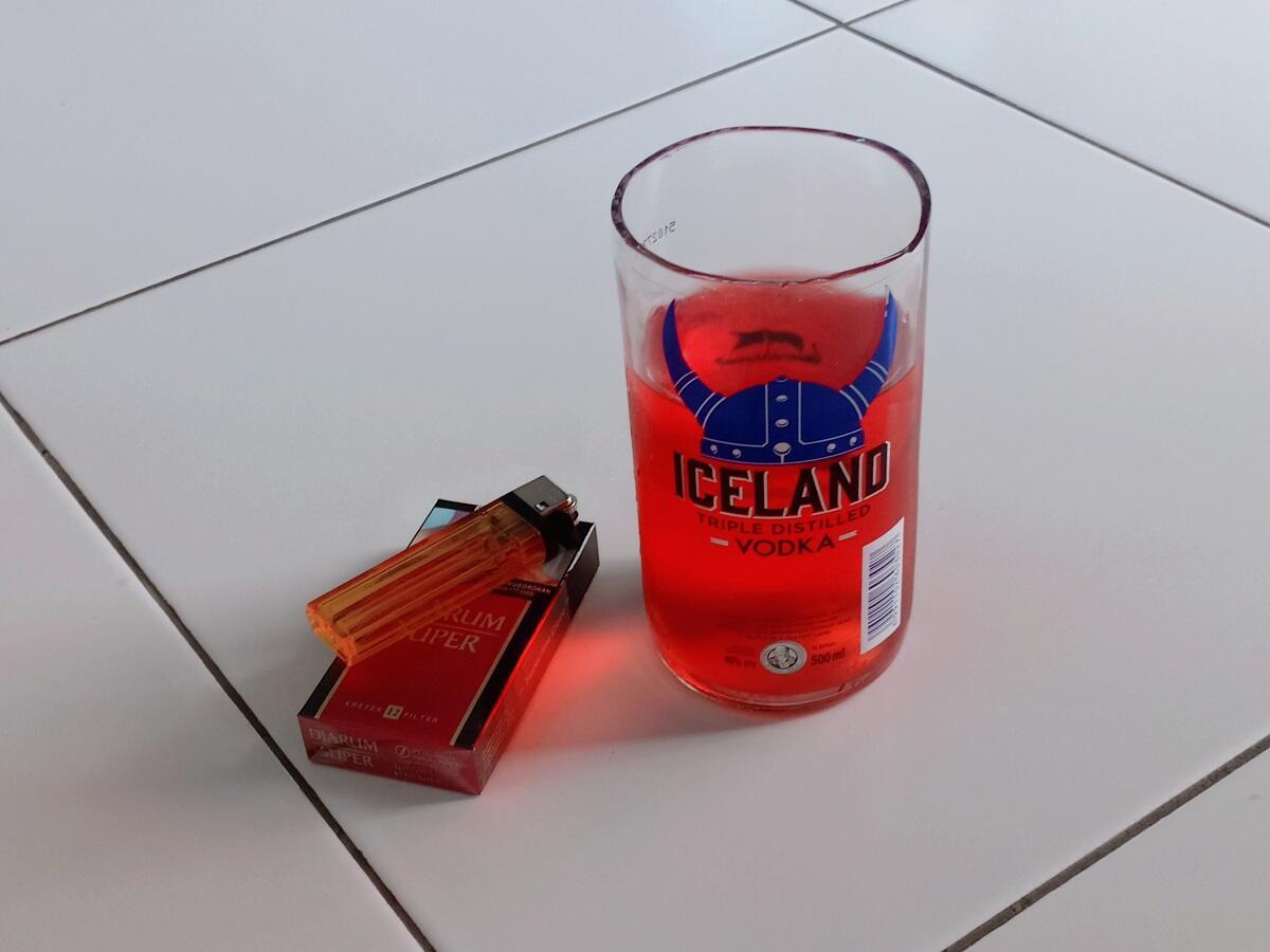 Cara Paling Mudah Membuat Gelas dari Botol Kaca | KASKUS