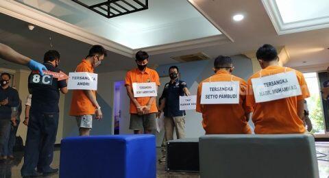 Pesta Gay Jakarta: Lomba Oral Seks, Cium Pantat, hingga Hirup Obat Perangsang