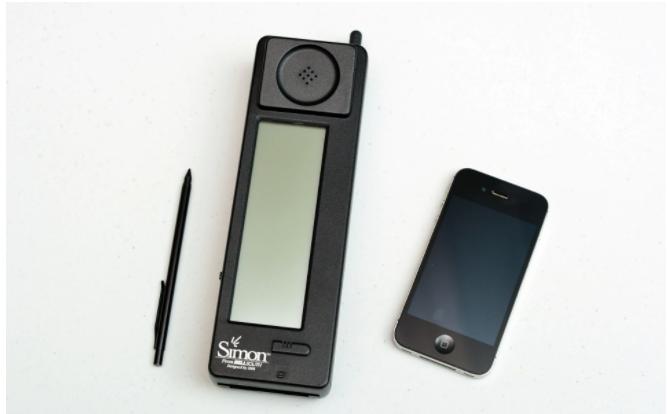 Ternyata ponsel pertama didunia sudah menggunakan Touchscreen !
