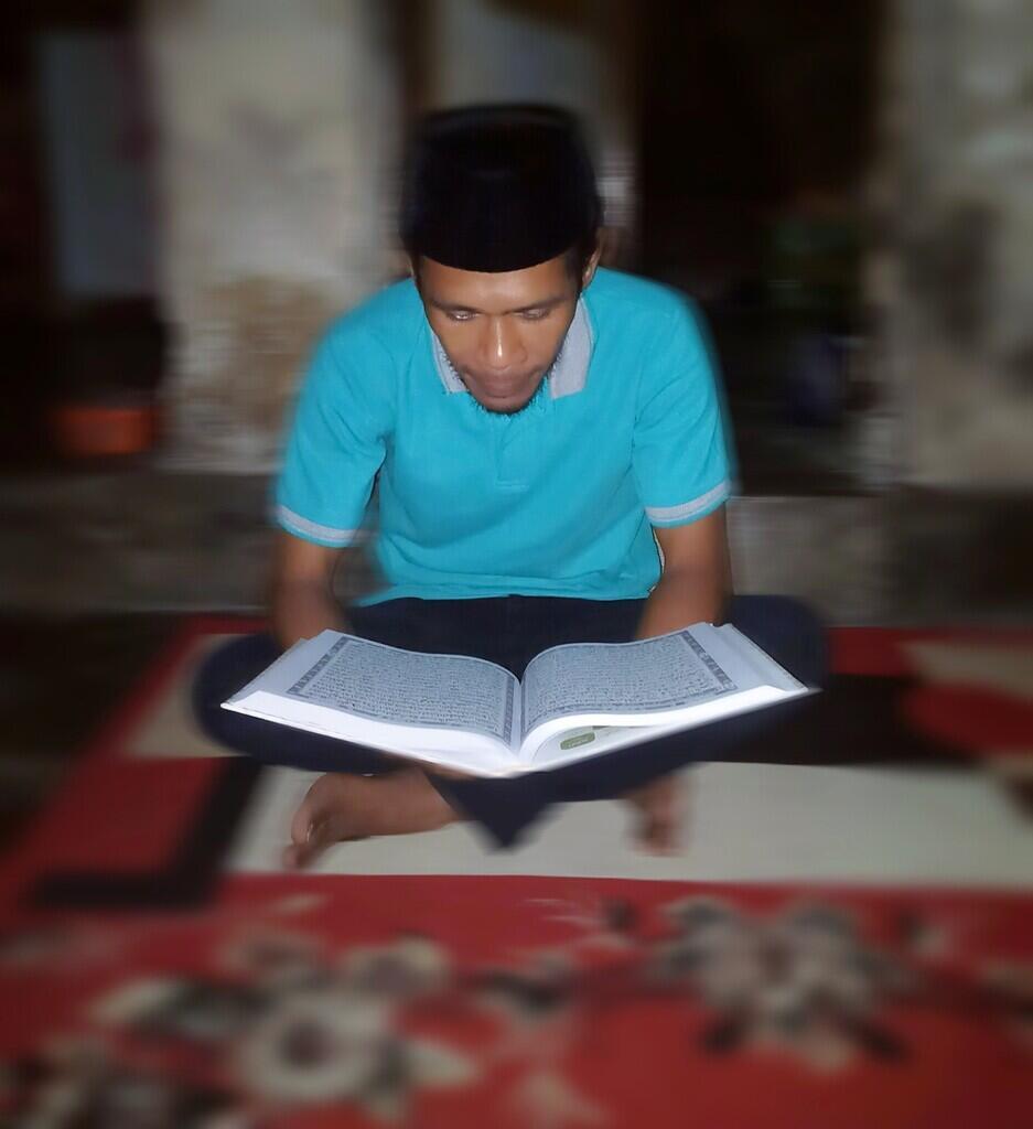 Mendengarkan Rekaman Al-Quran Apakah Dapat Pahala.?