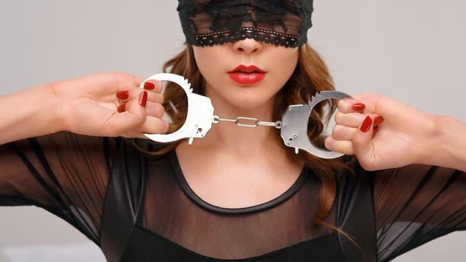 BDSM Viral di Tiktok, Fantasi atau Sensasi?