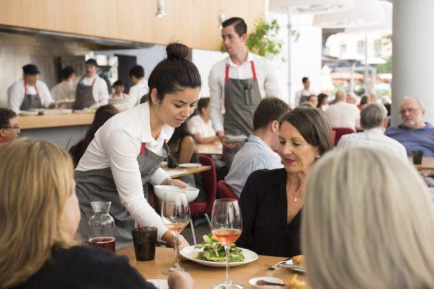400 Ribu Pekerja Restoran di DKI Mendadak Jadi Pengangguran!