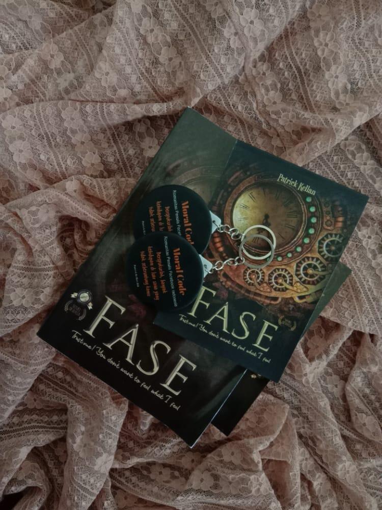 Review Novel FASE, Best Seller