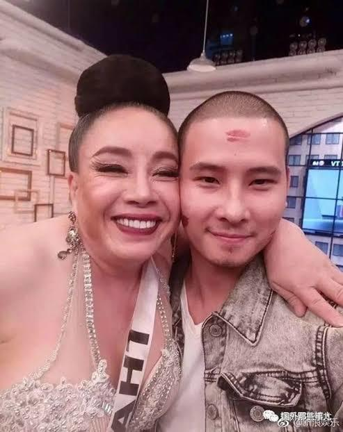 Nenek 60 Tahun Suka Gonta Ganti Suami Berondong, Lo Mau Coba?