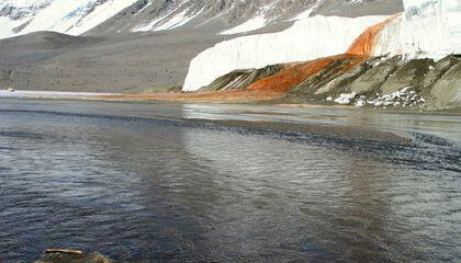Fenomena Air Terjun Berdarah Gletser Antartika