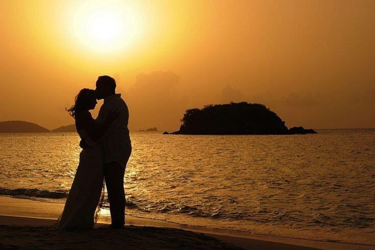 Dinner dengan Pasangan Bisa Mengawetkan Hubungan Sampai Maut Memisahkan