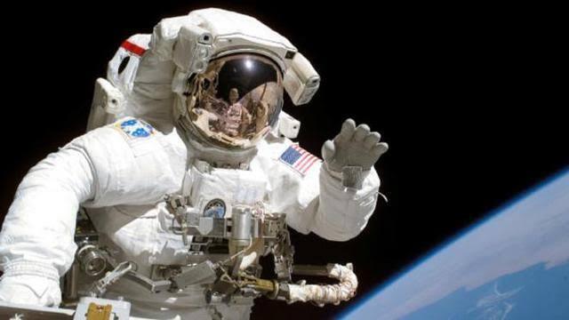Mau Pergi ke Luar Angkasa? Yuk, Kenali Dulu Baju yang Biasa Dipakai Para Astronot