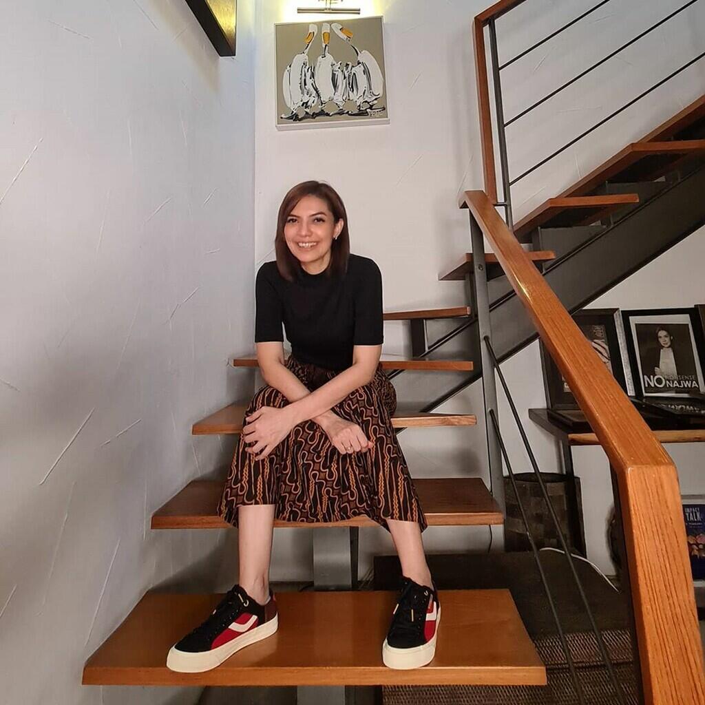 Najwa Shihab Tampil Kece dengan Berbagai Koleksi Sneakersnya!