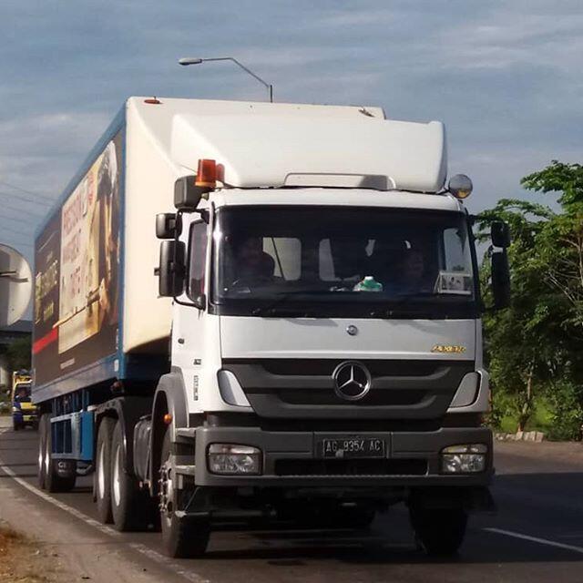 Mercedes Benz Axor 2633 S, Truk Tangki BBM yang Digunakan Oleh Pertamina