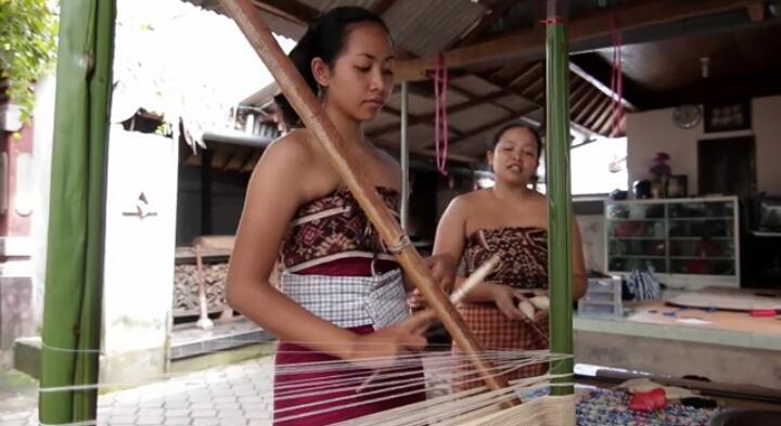 [Coc Reg.Bali]Kain Tenun Termahal di Indonesia, Ya Kain Gringsing Penolak Bala