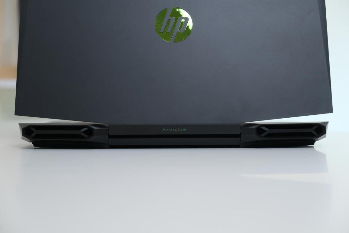 Review HP Pavilion Gaming 15-DK1064TX (Intel Core i5-10300H + Nvidia RTX 2060 Max-Q)