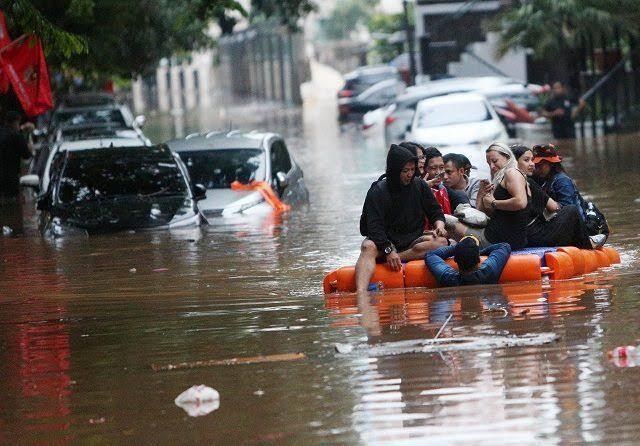 Antisipasi Banjir, Pemprov DKI Siagakan 280 Perahu Karet