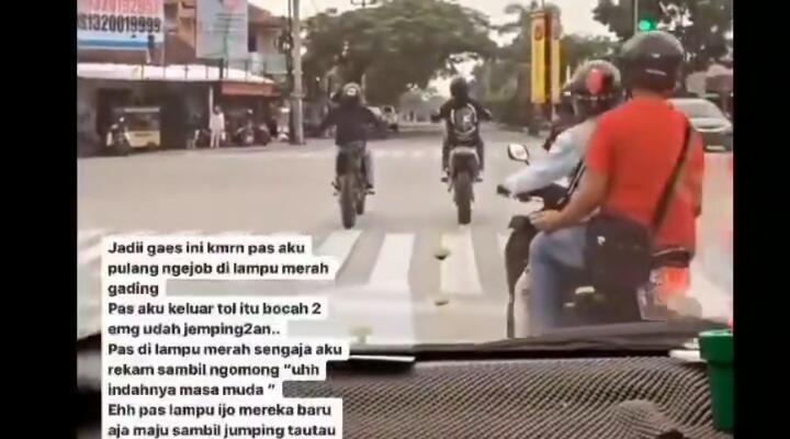 Tabrakan Emak-emak Pelanggar Lampu Merah dengan 2 Pemuda Standing Motor! Salah Siapa?