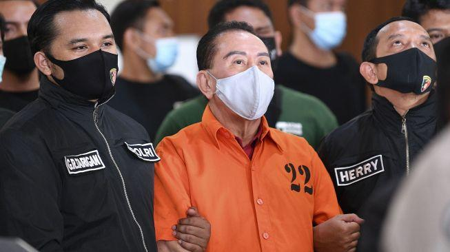 Rizal Ramli Kritik Habis-habisan Polisi, Kenapa Jenderal Tak Diborgol?
