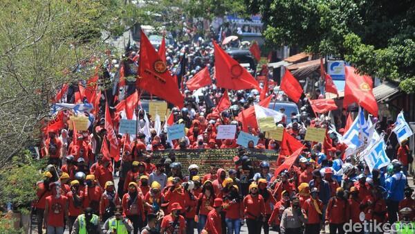 KSPI: Fraksi PKS-Demokrat Jangan Berlindung, Lakukan Legislative Review!