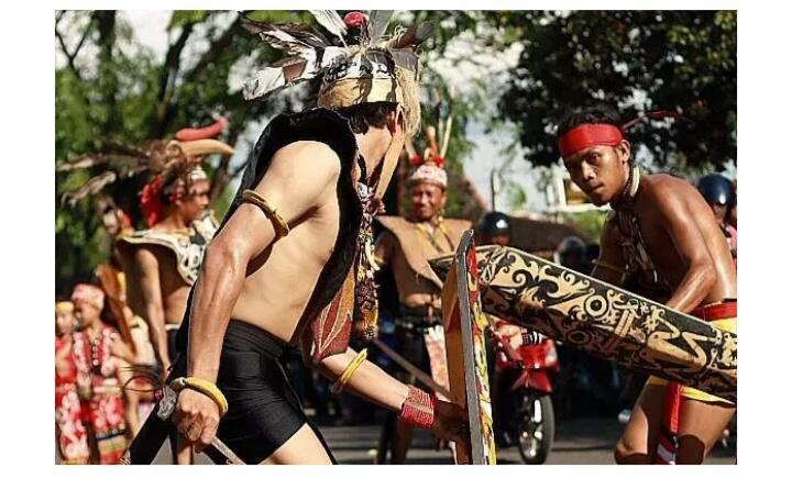 [COC Kalimantan Tengah] Mandau, Senjata Khas Suku Dayak Kalimantan Tengah