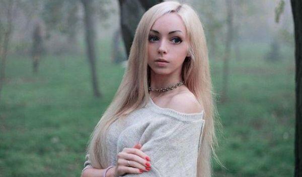 5 Wanita Berparas Barbie Yang Cantiknya Gemesin, Ada Yang Dari Indonesia Nih!