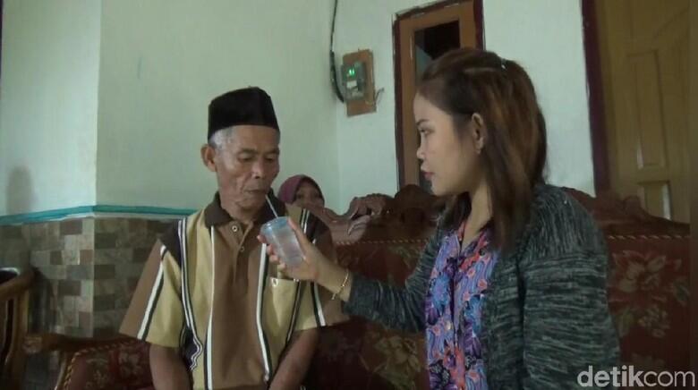 Kakek 78 Nikahi ABG 17 Tahun: Cinta Bersemi di Bensin Eceran,Berujung Mahar Honda PCX