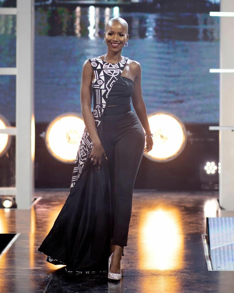 Gadis Kepala Plontos Yang Manis Nan Eksotis Menangkan Miss South Africa 2020, Selamat