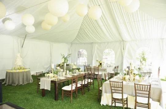 Viral! Tenda Biru Ambruk di Sebuah Acara Pernikahan, Netizen:Mungkin Doa Mantan