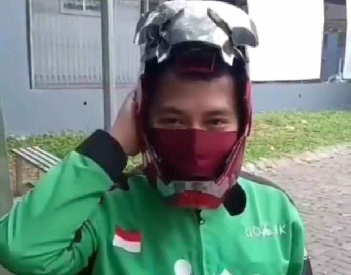 Kerennya Helm Bang Ojol, Seperti Menjadi Iron Man! Aman Terstandar SNI Nggak Ya?