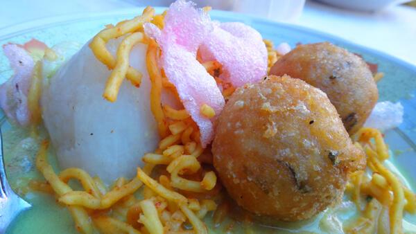 Kebiasaan Unik Orang Indonesia Ketika Makan Ini Jarang Ditemukan di Negara Lain