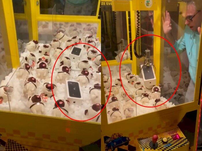 Loh! Pria Ini Bayar Rp.35ribu 'MAIN' Mesin Capit Dapat Iphone, Tapi Malah KESAL ?!