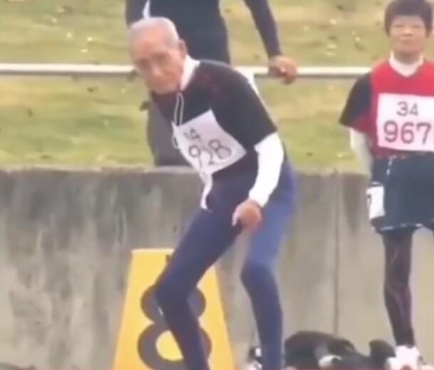 Keren, Kakek Usia 102 Tahun Ikut Lomba Lari, Memberikan Pelajaran Berharga Gansis!