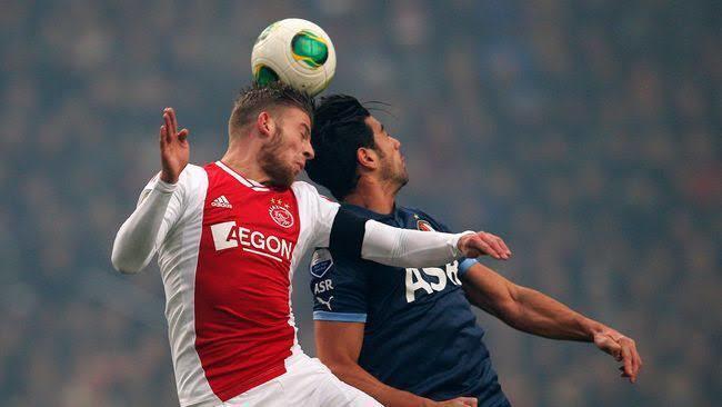 Menyundul bola bisa menyebabkan bahaya?!