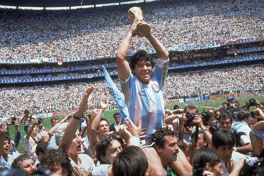 Kumpulan Komentar Fenomenal untuk Diego Maradona Sebelum Tutup Usia