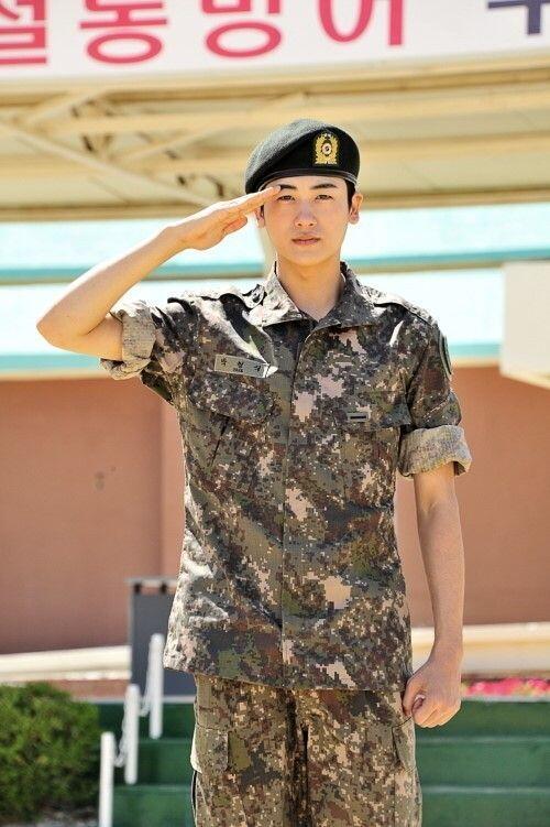 Park Hyung Sik Sedang Ambil Cuti Terakhir Sebelum Bebas Wamil!